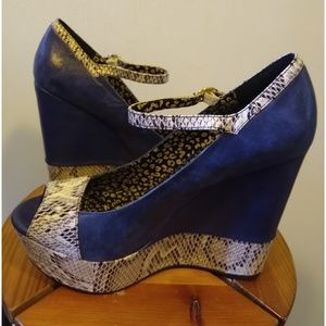 Jessica Simpson Blue W/ Snake Skin Platform Heels